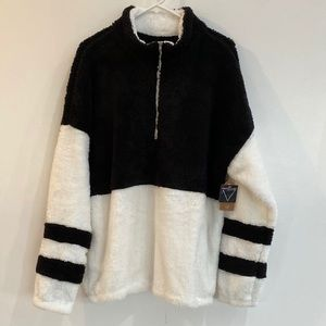 NWT!!! Cozy Pullover with Zipper.